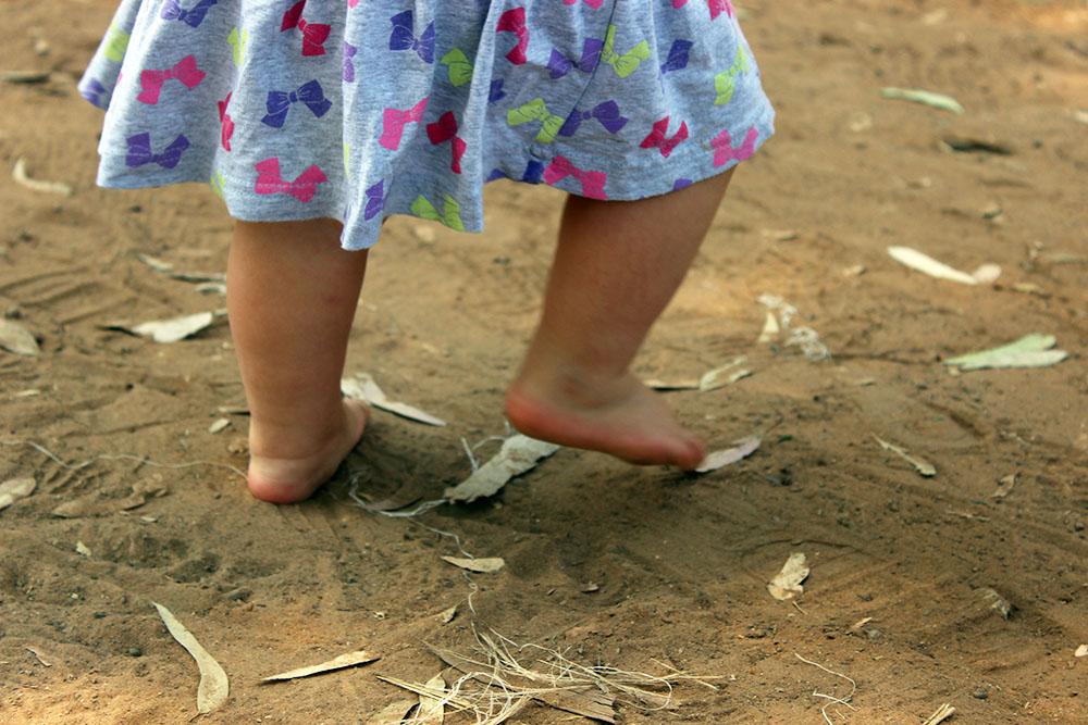 Barefoot-child